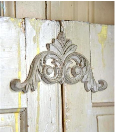 Fregio decorativo in legno